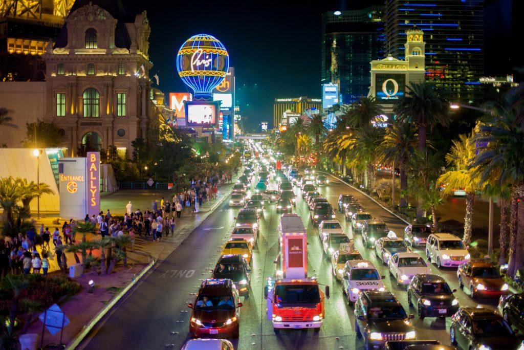 アメリカ横断_夜の交通網