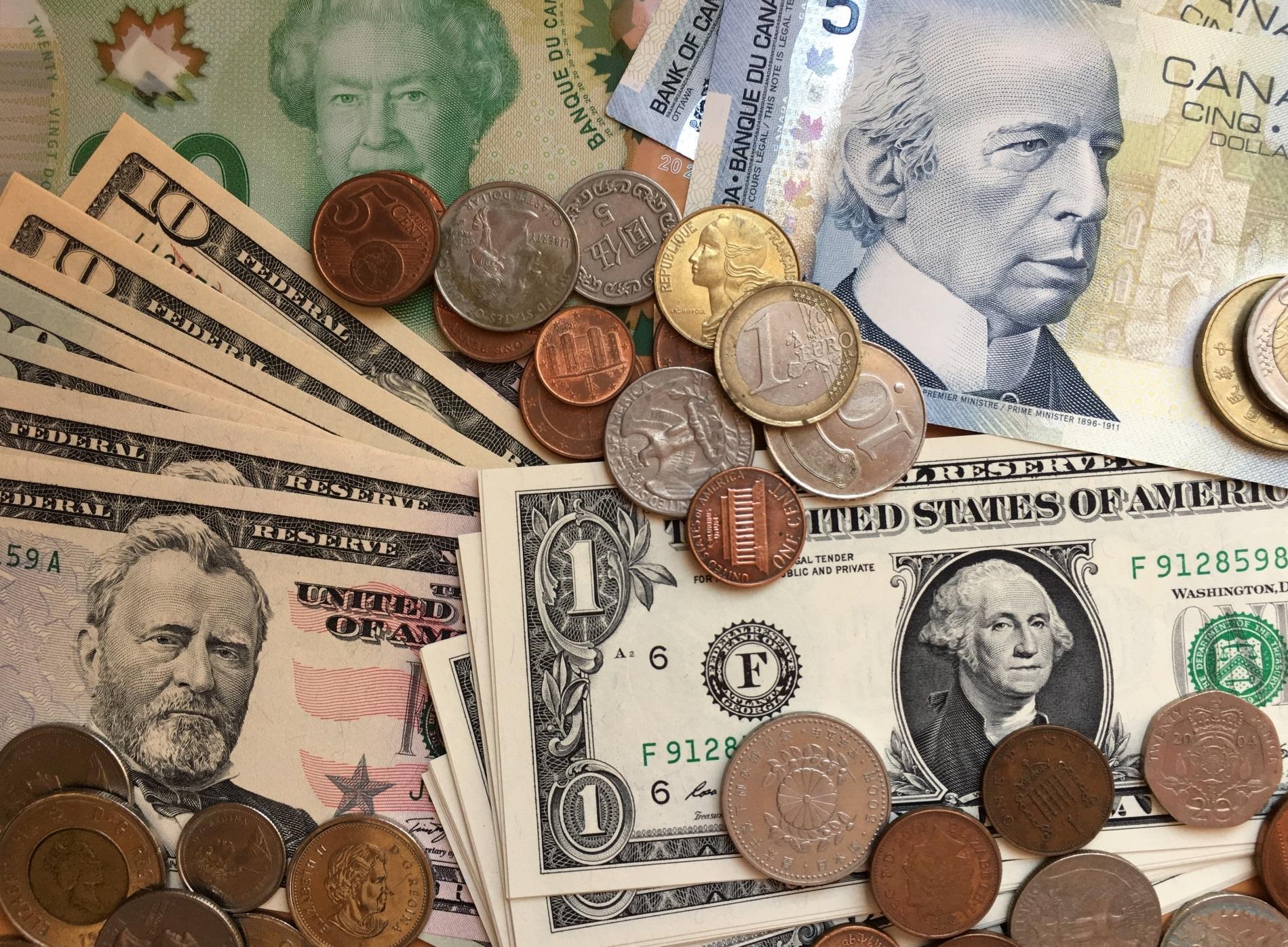 アメリカ_寄付_アメリカのお金ドル