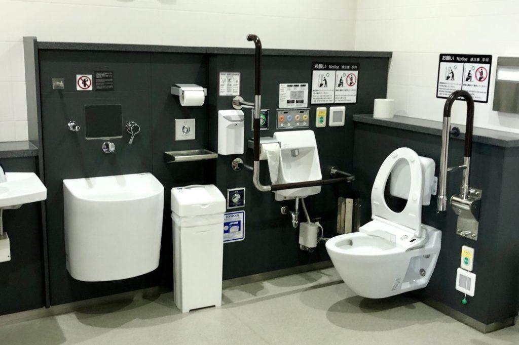 トイレ_日本のトイレはきれいすぎる