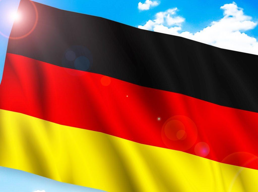 ドイツ人は真面目で勤勉_ドイツの国旗