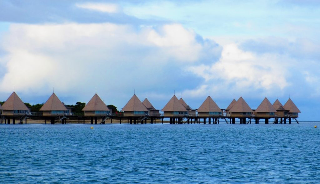 ニューカレドニア_天国に一番近い島の水上コテージ