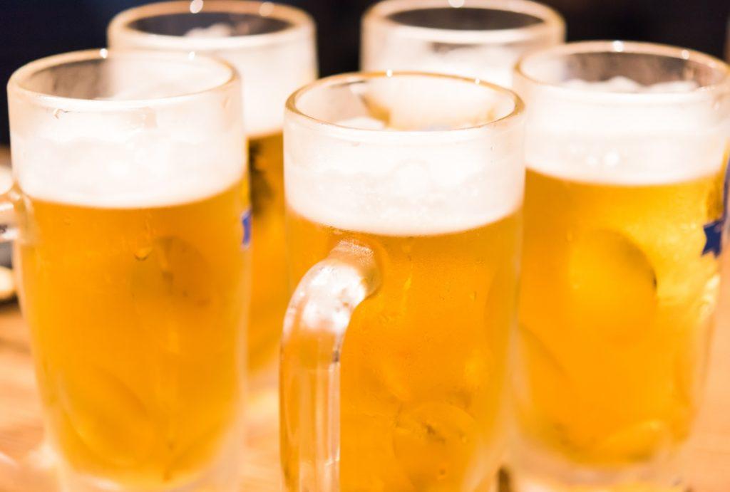 一人あたりビール消費量_世界一_ビールジョッキ