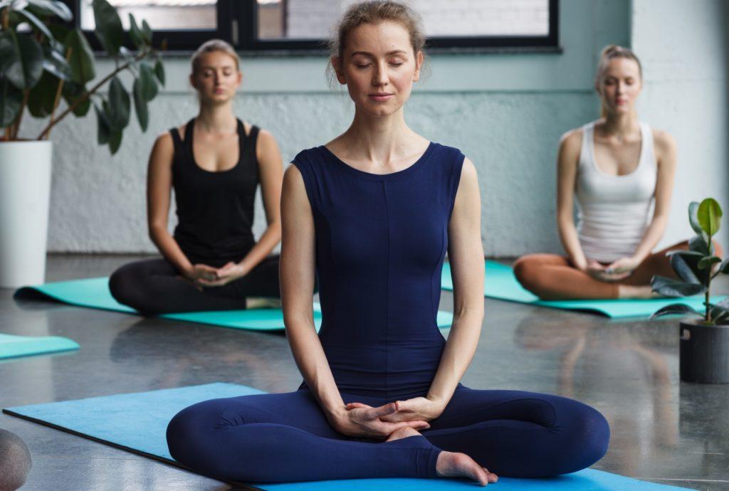 坐禅(座禅)_瞑想_ヨガ(ヨーガ)_マインドフルネス_瞑想