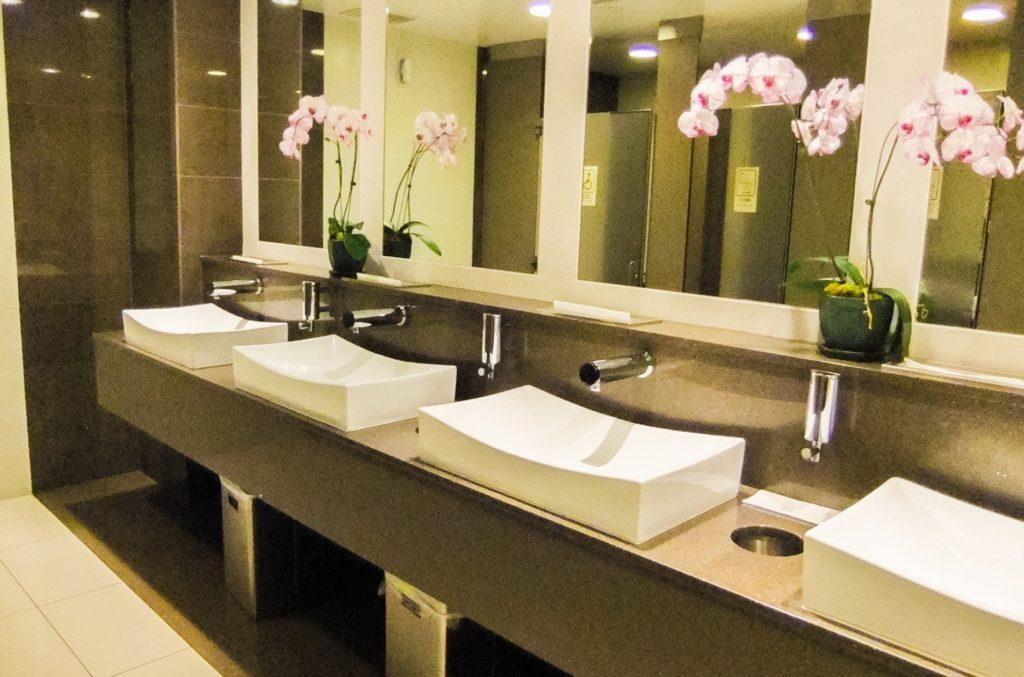 日本が世界で一番トイレがきれい_掃除がされていて常時綺麗