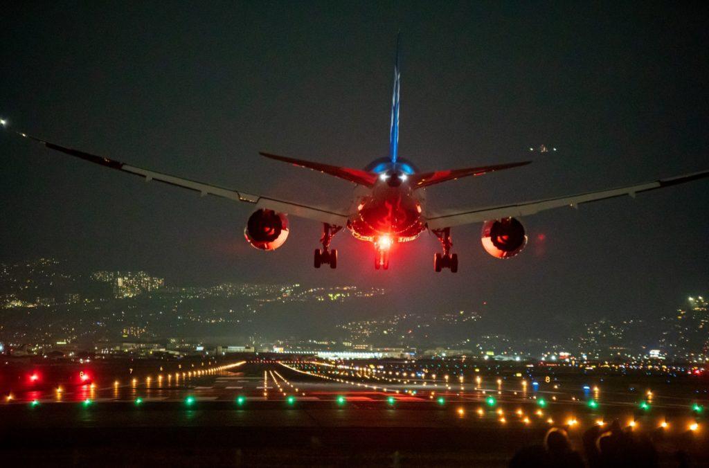 飛行機フライト_機内サービス_離陸